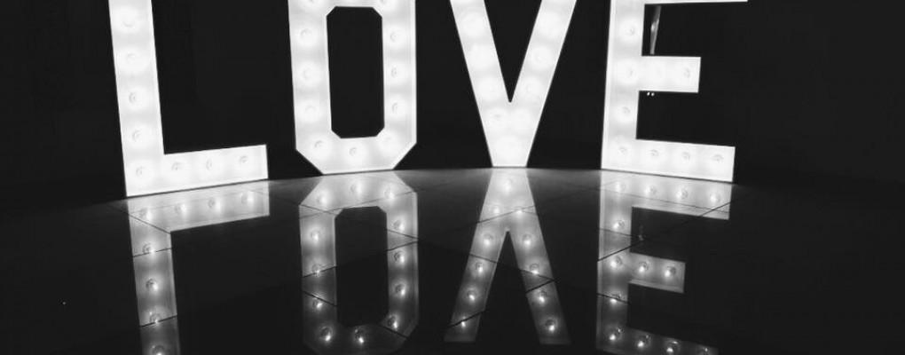 Podświetlany napis LOVE 1